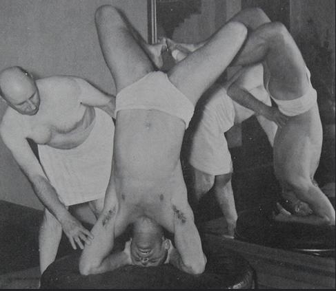 Dear Speedo wearing guy in last night's hot yoga class